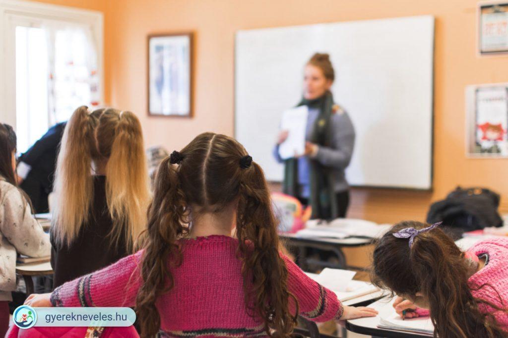 Gyereknevelés - A tanár