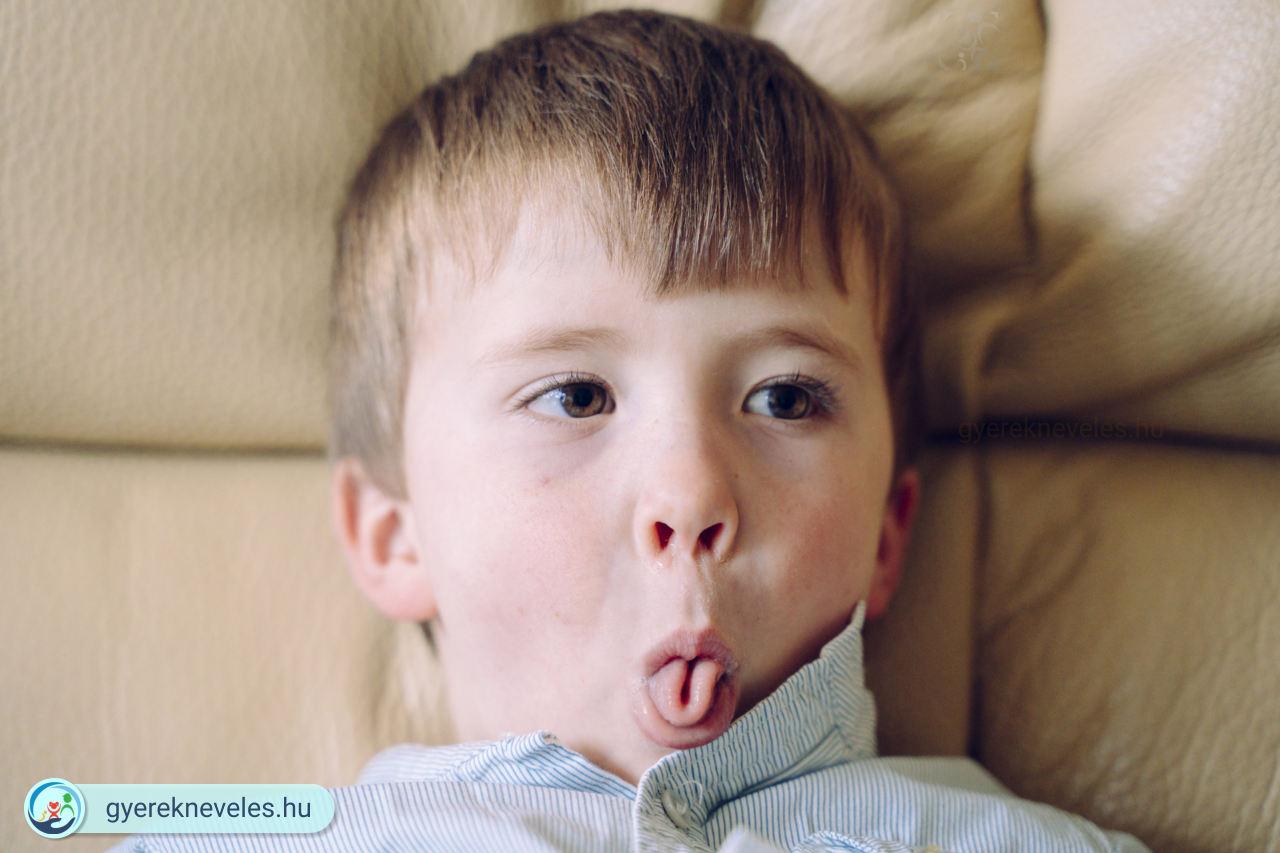 Dacos gyerek, aki mindent kiköp, kiönt, ledob, és a szülőt bosszantja? Gyereknevelési válaszok gyereknevelésre. Anyuka kérdezi.
