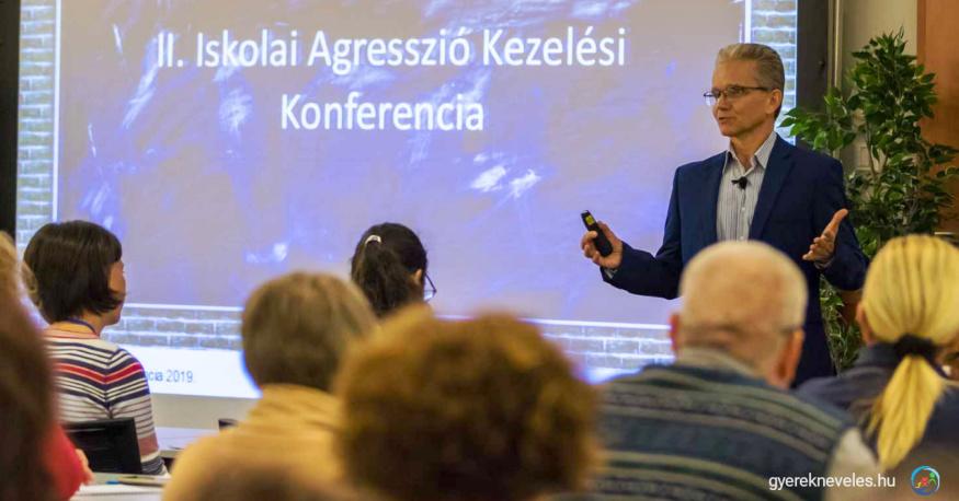 Novák Ferenc a II. Iskolai Agresszió Kezelési Konferencián
