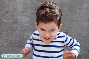 Ha a gyerek megüti a szülőt
